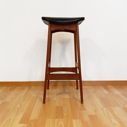 Set of 4 bar stools designed by Johannes Andersen